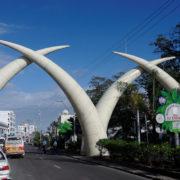 Kenya, Mombasa, Les Tusks de Moi Avenue
