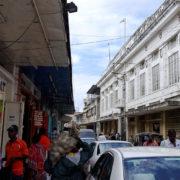 Kenya, Mombasa, Rue commerçante...