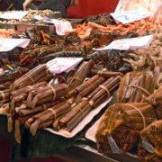 Barcelone, quartier des Remblas, Le marché de la Boqueria; étal de poissons