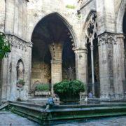 Barcelone, La cathédrale (la Seu):  le bassin des 13 oies gardiennes du cloître