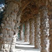 Barcelone, Parc Guell, Sous les aqueducs