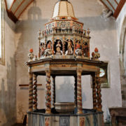 Lampaul-Guimiliau: fond baptismaux