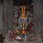 Dans le sanctuaire