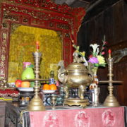La Maison Tân Ky: autel des ancêtres